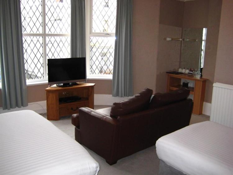 freehold nine bedroom guest - 5