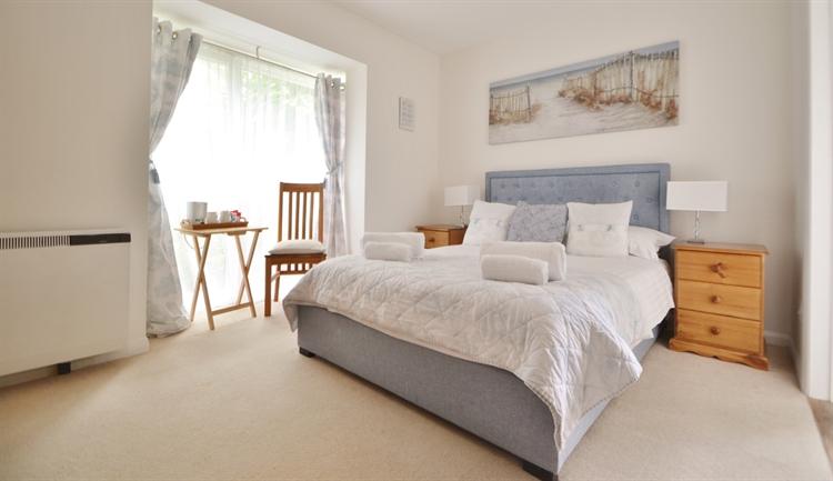 bedroom owners house salisbury - 9
