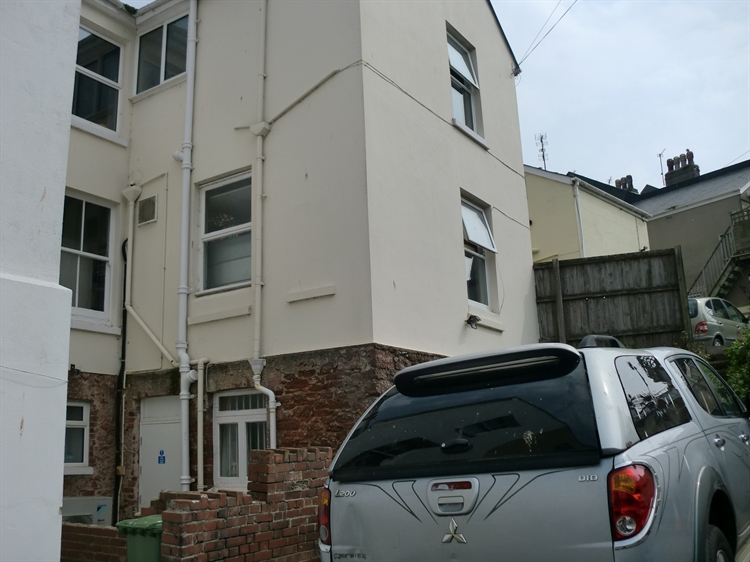 freehold convenience store flat - 14