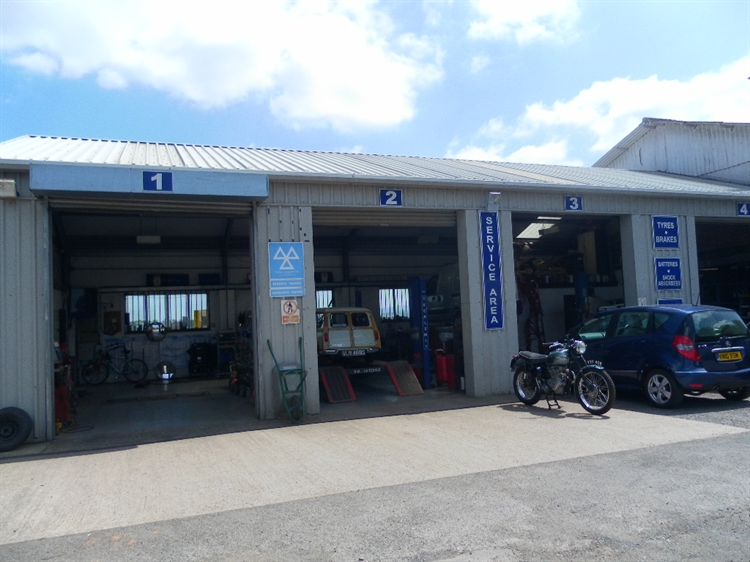freehold petrol mot station - 15