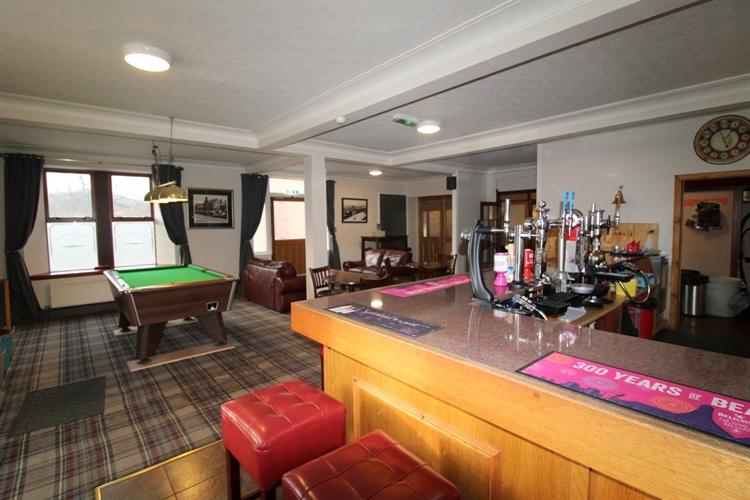 substantial attractive 8-bedroom hotel - 5