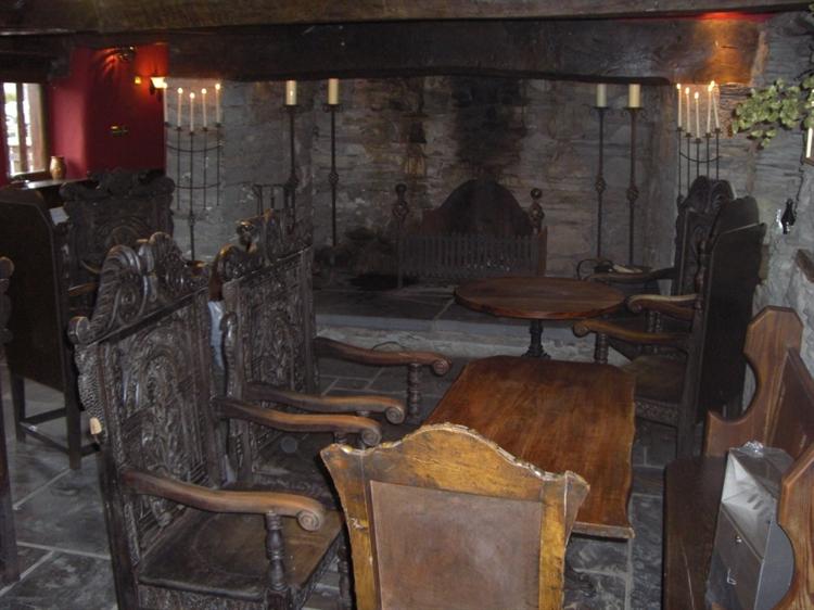 wales' finest medieval inn - 4