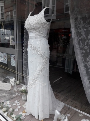 unique wedding dress business - 11