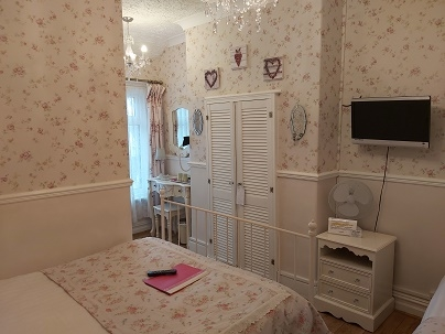 eleven bedroom guest house - 12