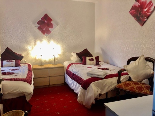 ten bedroom licensed hotel - 12