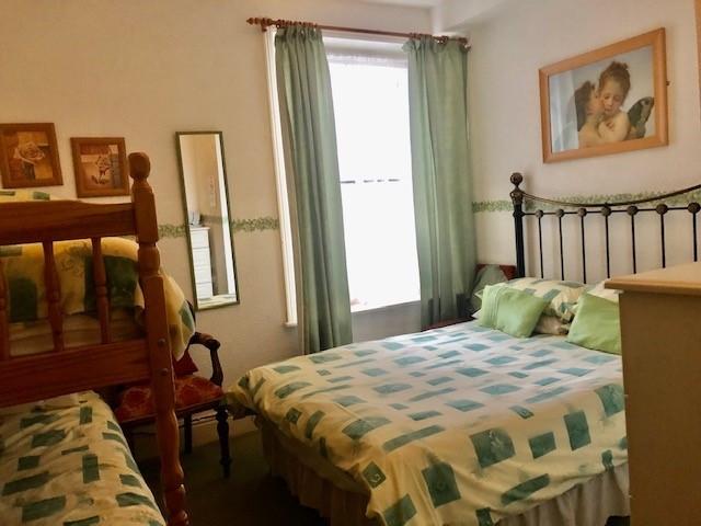 ten bedroom licensed hotel - 10