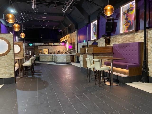 leasehold bar music venue - 11