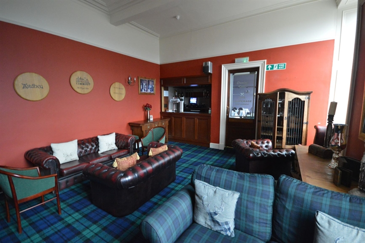 substantial town centre hotel - 4