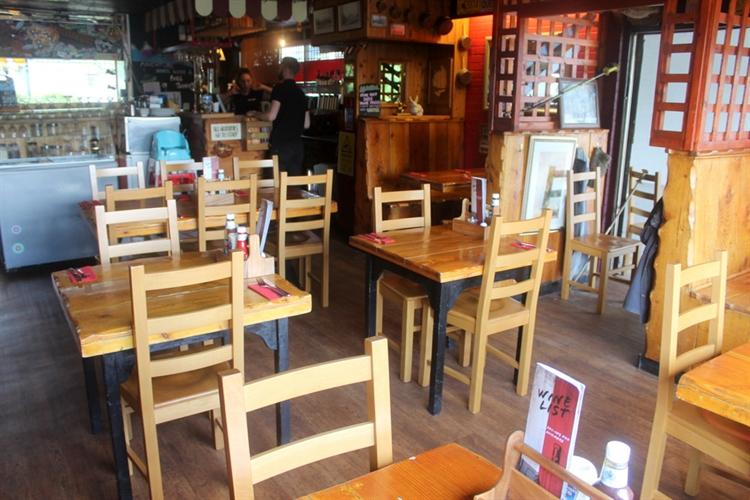 restaurant bar popular town - 6