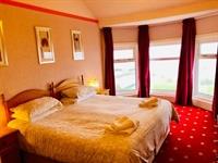 ten bedroom hotel all - 2