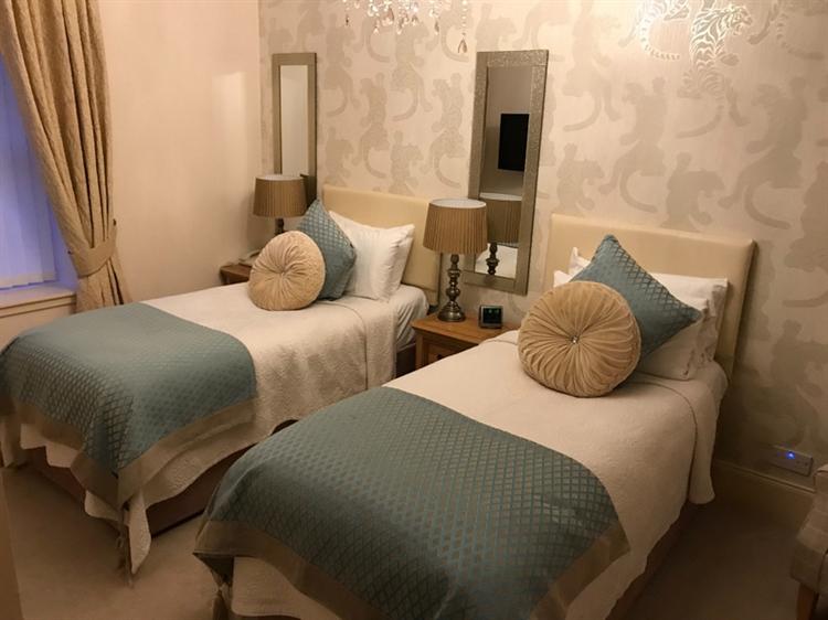 exceptional seventeen bedroom hotel - 10