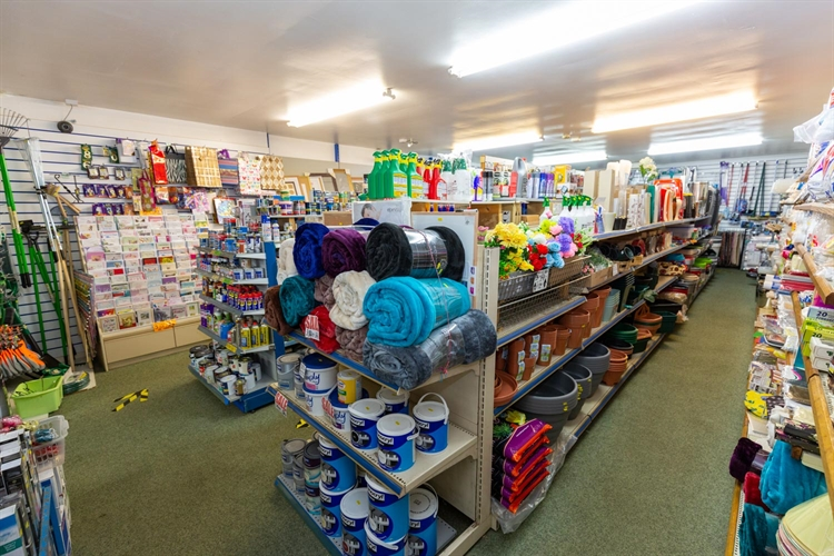 spacious freehold hardware store - 4