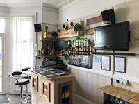 spacious superbly maintained guest - 3