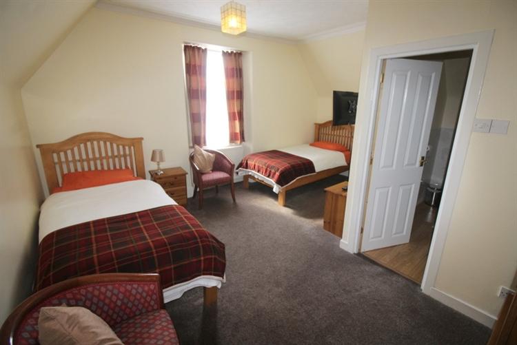 charming 8-bedroom hotel set - 8