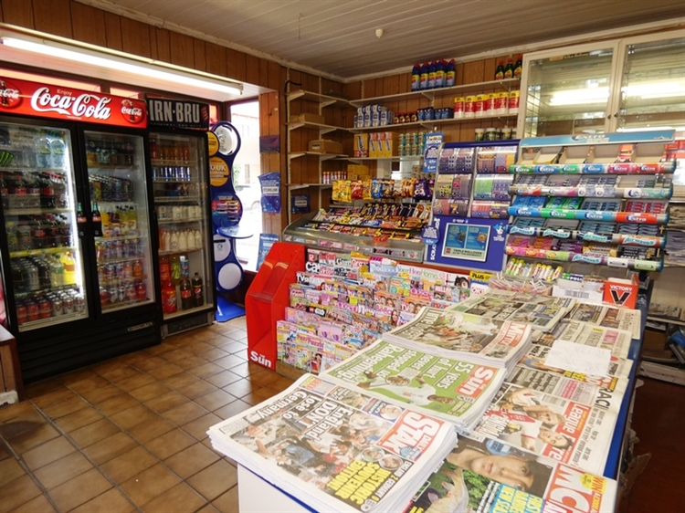 newsagent with accommodation leeds - 10