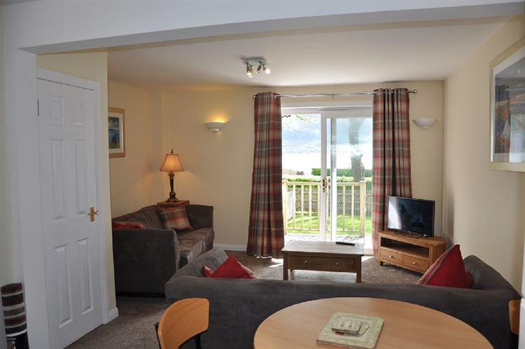 holiday cottages with loch - 8