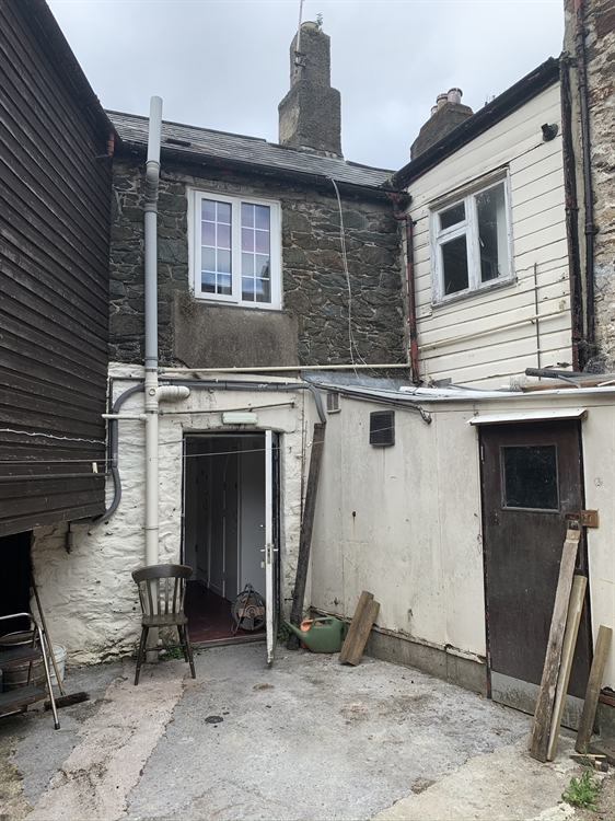 substantial freehold property ashburton - 5
