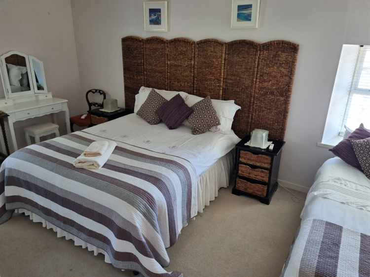 outstanding residential self-catering guest - 10