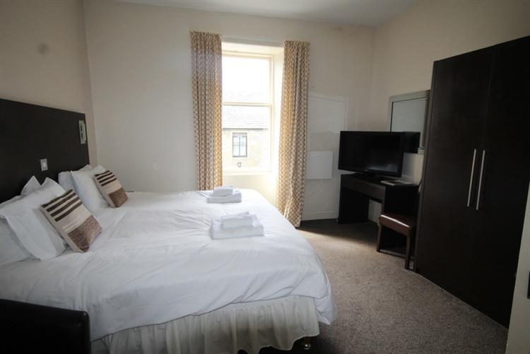 substantial 25-bedroom hotel tomintoul - 9