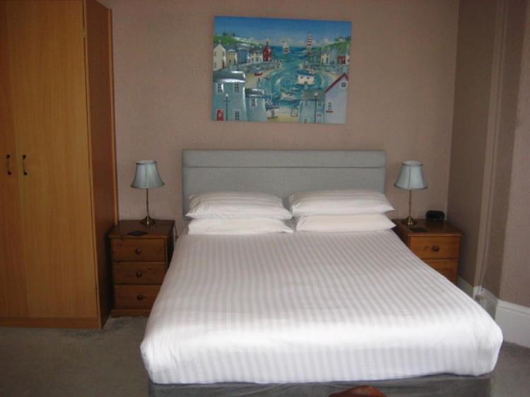 freehold nine bedroom guest - 7