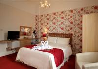 superb somerset seven bedroom - 1