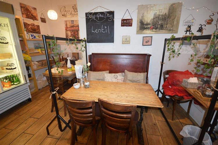 cafe takeaway up market - 6