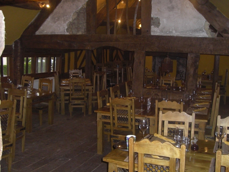wales' finest medieval inn - 6
