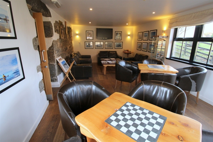 charming inn bunkhouse set - 9