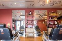 outstanding unisex barbers dagenham - 2