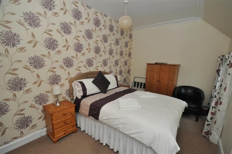 charming 9-bedroom hotel set - 12
