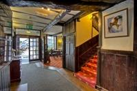 the castle hotel llandovery - 2