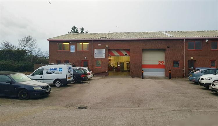 established car specialist garage - 4