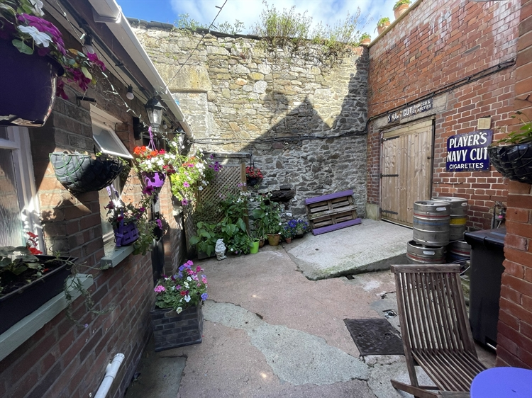 stunning grade listed freehouse - 10