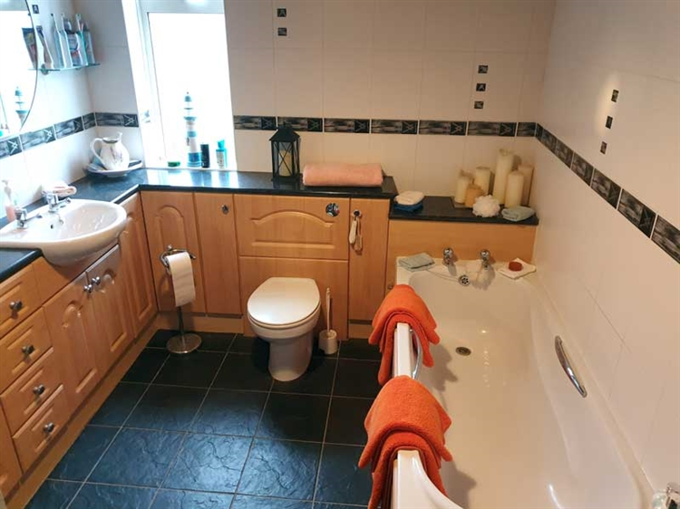 fantastic guest house opportunity - 13