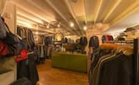 retail franchise accommodation betws - 1