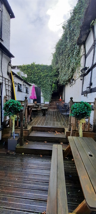 herefordshire famous town pub - 11