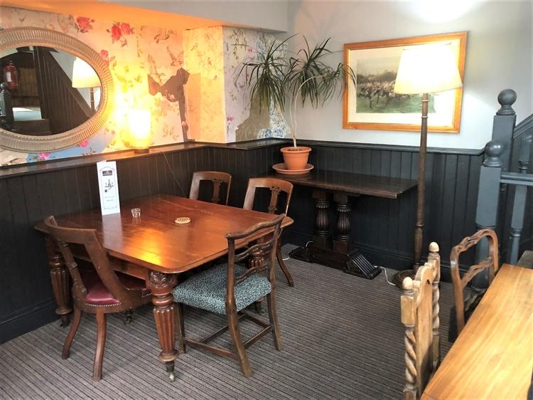 thriving town centre pub - 4