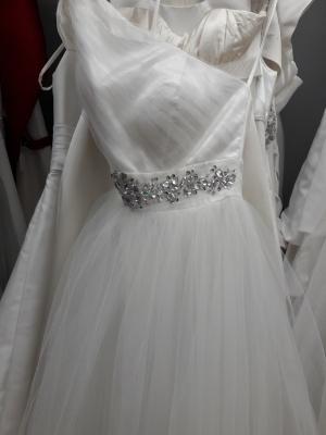 unique wedding dress business - 13