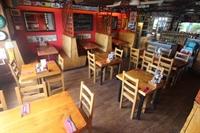 restaurant bar popular town - 3