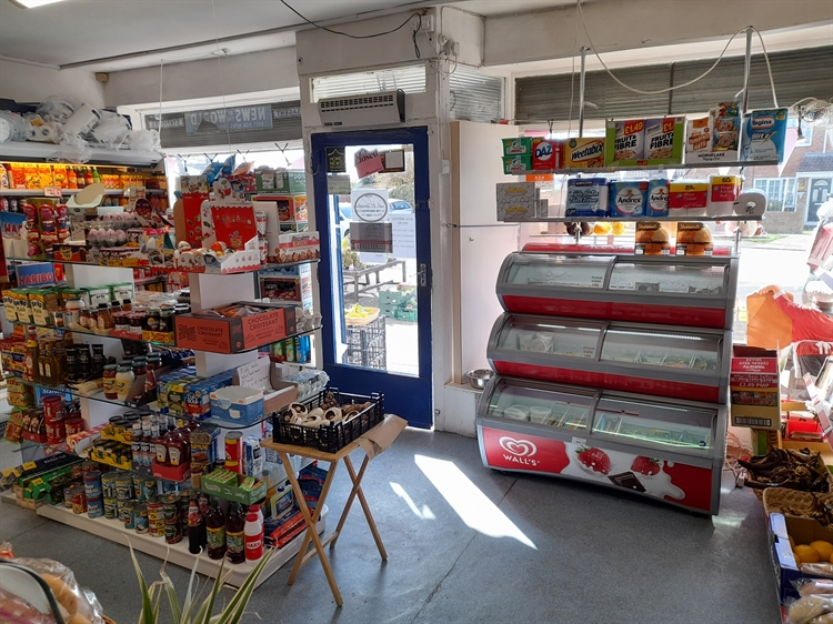 freehold newsagents cleadon - 5