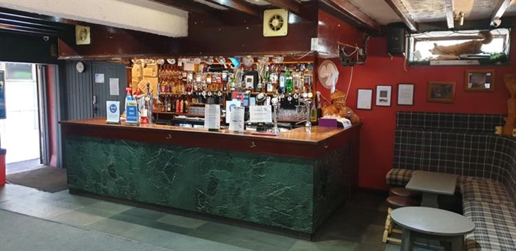 popular well established pub - 4