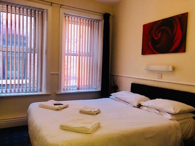 bedroom licensed hotel blackpool - 10