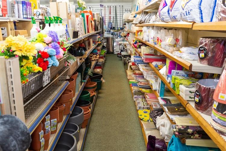 spacious freehold hardware store - 5
