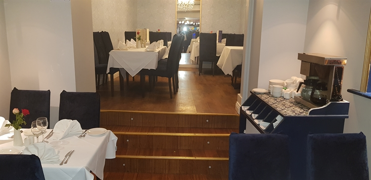 modern restaurant with accommodation - 4