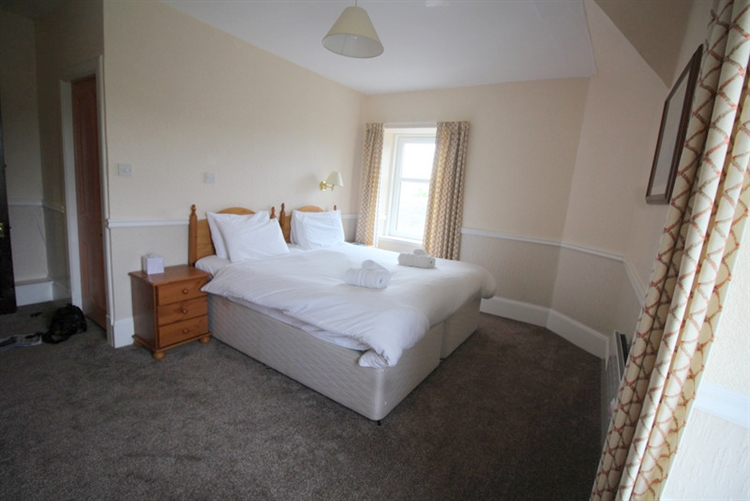 substantial 25-bedroom hotel tomintoul - 13