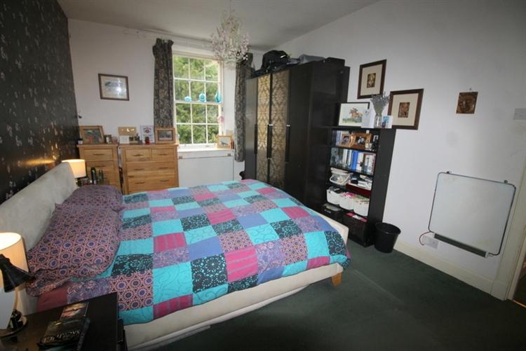 outstanding six bedroom guest - 12