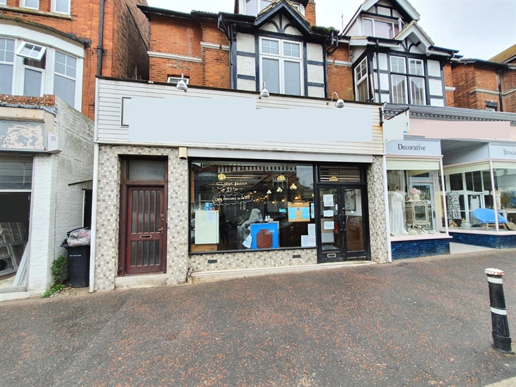 freehold fish& chip shop - 6