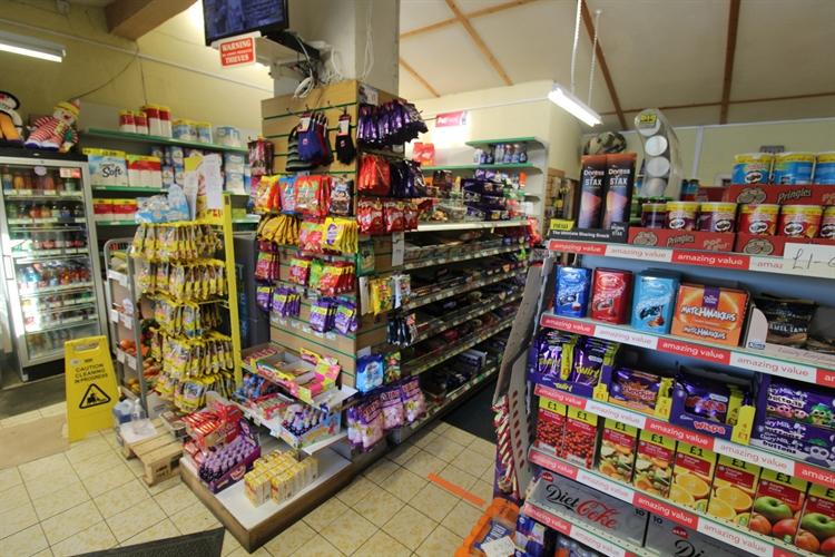 licensed convenience store set - 6