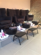 stunning beauty salon hampstead - 2