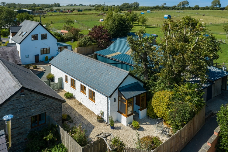 established self catering complex - 5